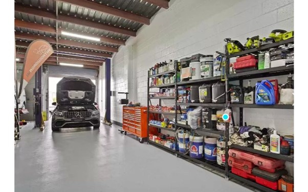 Established and Successful Mobile Vehicle Servicing Business